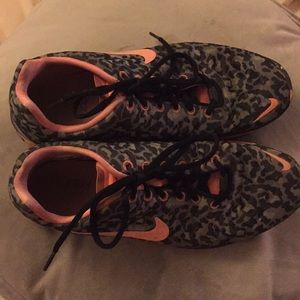 Nike Free TR fit 3 sneakers in leopard and coral